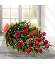 Emmas Classic Red Roses